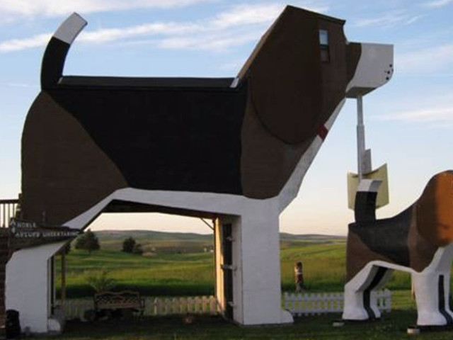 Airbnb Has A Dog House In Idaho You Can Stay At Called The Dog Bark Park Inn
