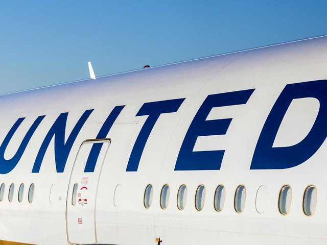 Don't Buy United Airlines Hoping For Business Travel Recovery