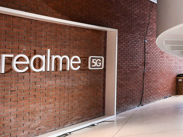Realme Flagship AnTuTu Scores Leaked, Single Hole-Punch Display Tipped