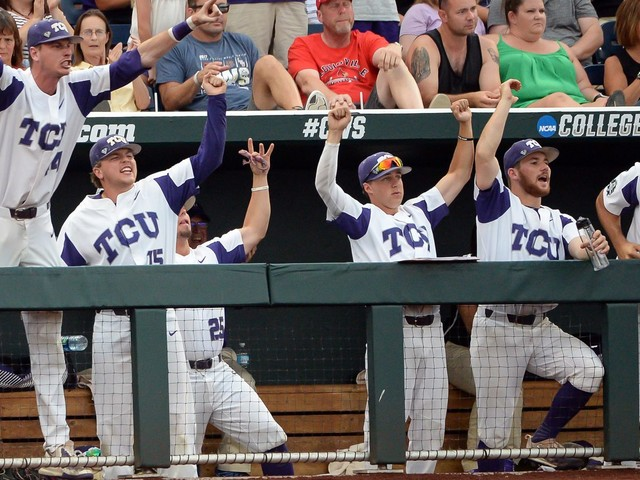 College World Series 2017 scores and bracket: TCU drops Louisville from Omaha