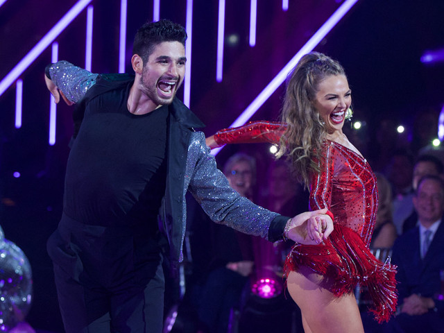 Hannah Brown Is Off to a Strong Start on 'DWTS' - Watch Her First Dance!