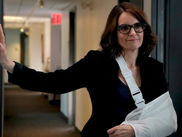 'S.N.L.': Tina Fey Reprises Sarah Palin in a Star-Filled Season Finale