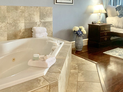 Nov 23, Houston Hot Tub Suites - 2021 Hotel Rooms with Private Jetted Tubs