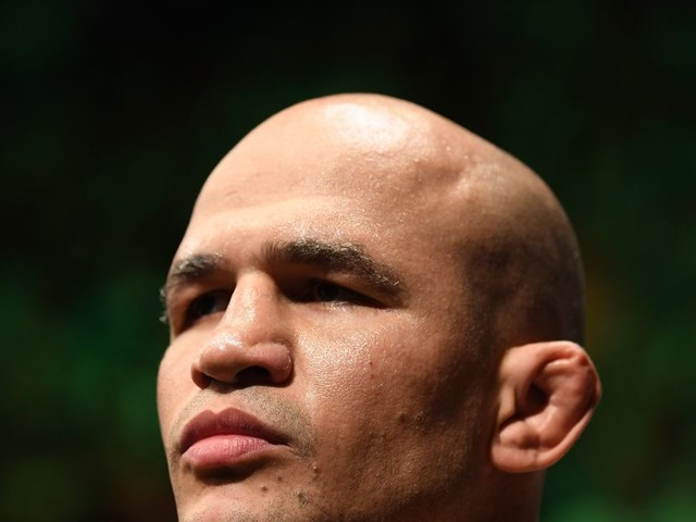 JDS hospitalized, out of UFC Moscow main event