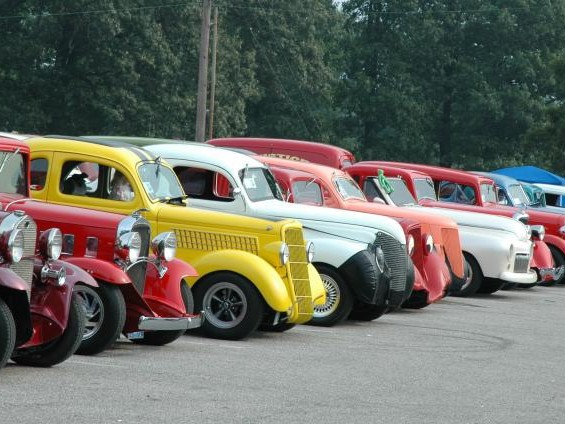Antique and Vintage Cars Overview