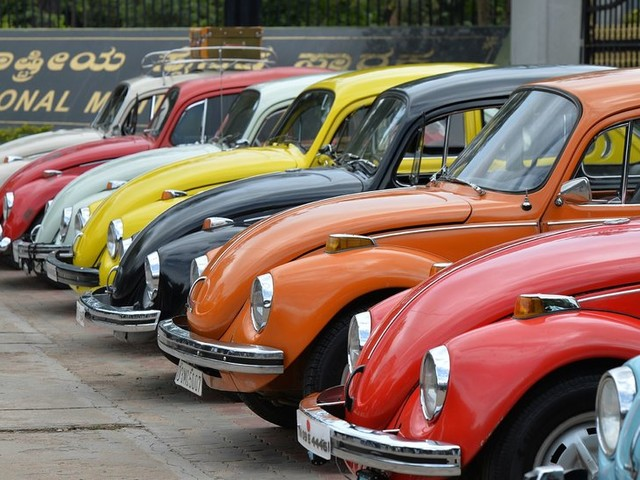 Volkswagen Beetle, Symbol of '60s Counterculture, Will Be Discontinued Again