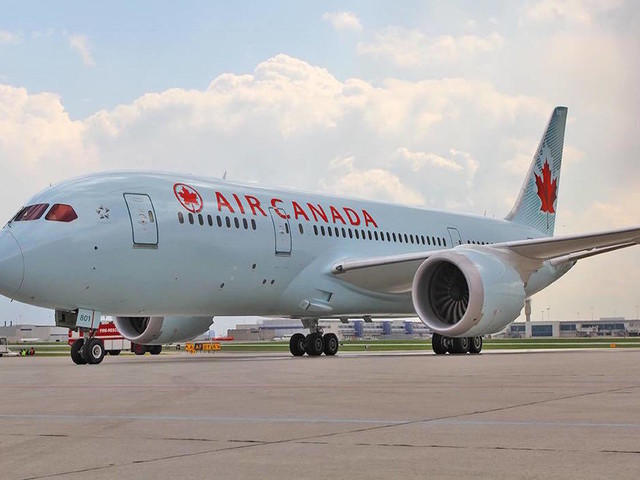 Air Canada reviewing how it left sleeping passenger on parked plane