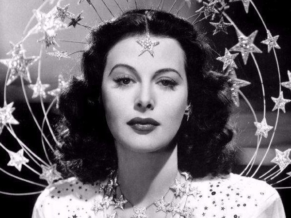 'Bombshell: The Hedy Lamarr Story' uncovers the secret life of a Hollywood glamour queen