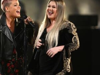 Musicians unite at AMAs in wake of tumultuous year