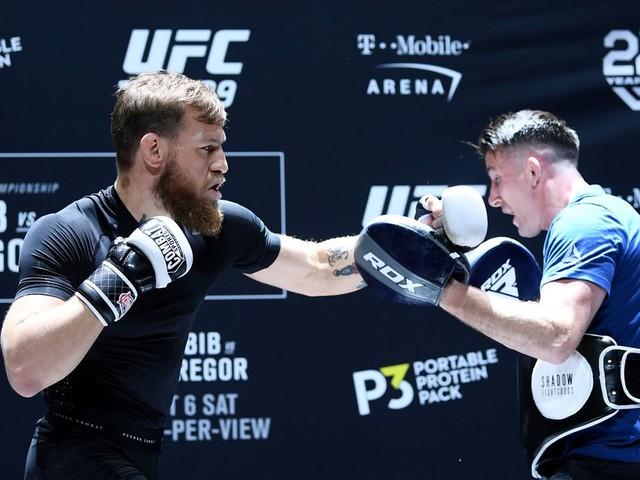 McGregor's coach: Training is 'structured' better than 'sporadic' Khabib camp