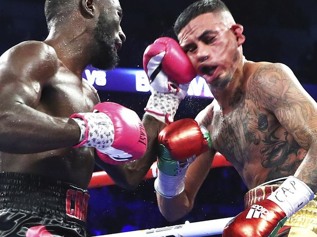 Video: Terence Crawford wipes out Jose Benavidez in 12th round