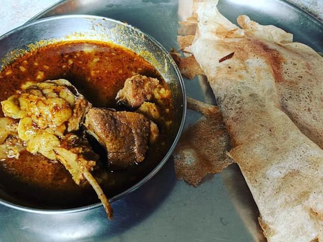 Here's how lambi roti from the Vidarbha Region of Maharashtra, India is made
