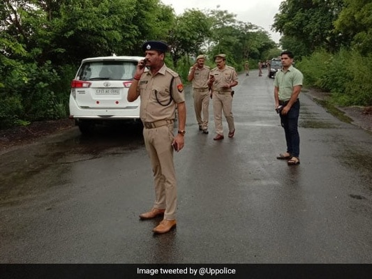 8 Dead After Unknown Vehicle Crashes Into Car On Expressway Near Delhi