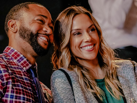'Christmas In Louisiana's Jana Kramer Reveals Why Working With 'OTH's Moira Kelly Was 'Surreal'