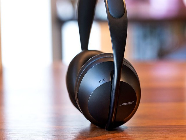Bose's Noise Cancelling Headphones 700 get their first big discount