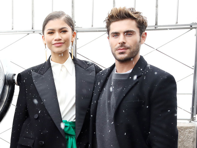 Zac Efron & Zendaya Brave the Snow for Empire State Building Visit in New York!