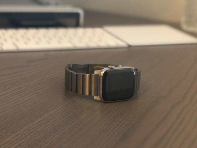 Review: Nomad's Titanium Band for Apple Watch is a Stylish and Cheaper Alternative to Apple's Link Bracelet