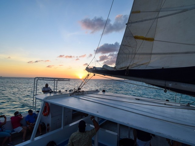 Aruba Sunset Cocktail Cruise excursion review