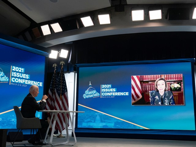 A viral misfire: A White House video feed ended but Biden took questions