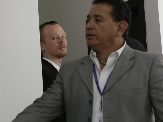 Sources: US to question Assange pal jailed in Ecuador