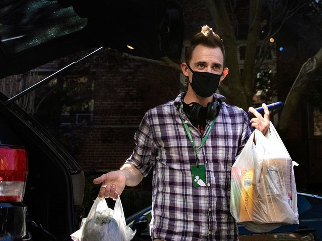 Instacart's army of shoppers has exploded from 180,000 to 500,000 since the start of the pandemic — and some workers say it's making the job more difficult for everyone