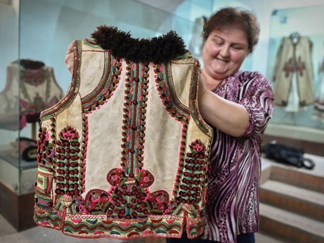 Romanian dressmakers revel in Dior folk coat vogue