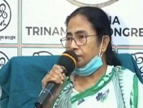 ममता बनर्जी ने पूछा- BJP के कहने पर तय की गईं चुनाव की तारीखें?