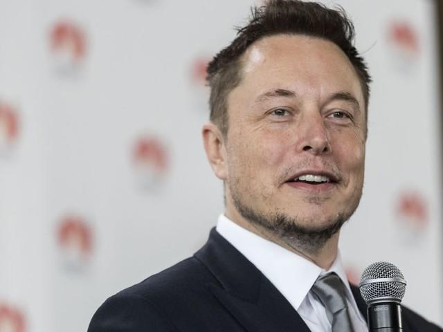 Elon Musk says Mark Zuckerberg has 'limited understanding' of AI