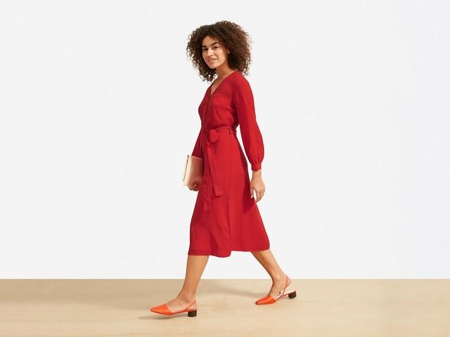 17 Long-Sleeve Midi Dresses For Your Winter Wardrobe Consideration