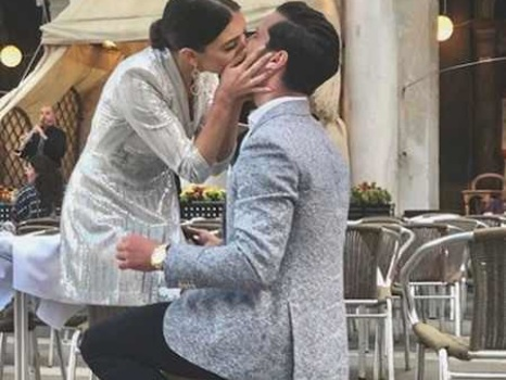 Dancing With the Stars Pros Val Chmerkovskiy and Jenna Johnson Are Engaged