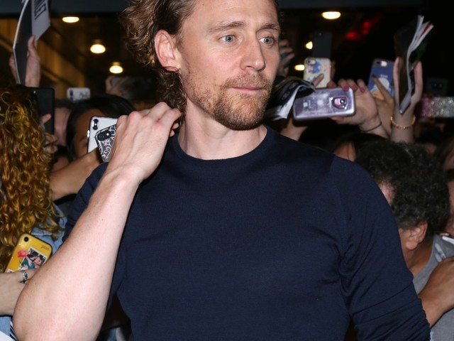 Tom Hiddleston's publicist asked the NY Times to not ask about Taylor Swift