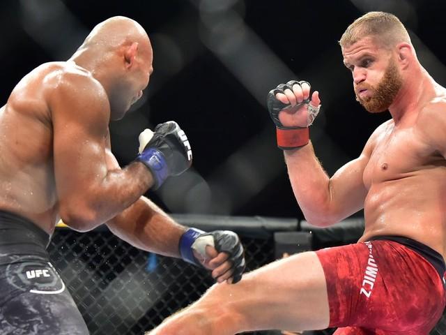 UFC São Paulo video recap: Blachowicz wins uneventful split decision over Jacare