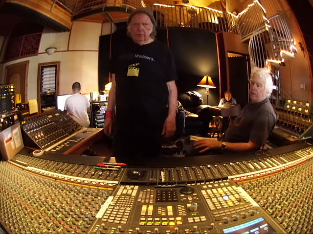 Neil Young & Crazy Horse Share 'Mountaintop' Documentary Trailer