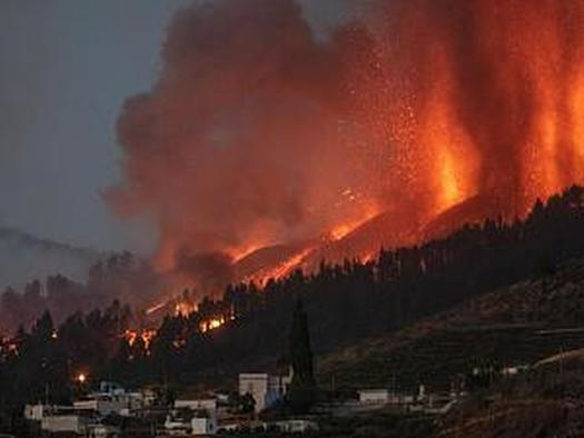 """""""Take Cover"""" - Acid Rain From Canary Islands Volcano To Reach Europe"""