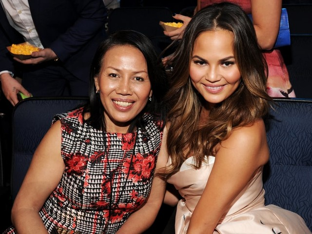 """30 Times Vilailuck and Chrissy Teigen Had Us Saying, """"Yep, She Got It From Her Momma"""""""