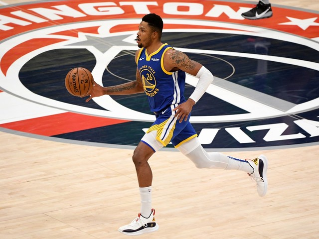 Wizards' Bradley Beal goes off on Warriors' Kent Bazemore after Steph Curry scoring title joke