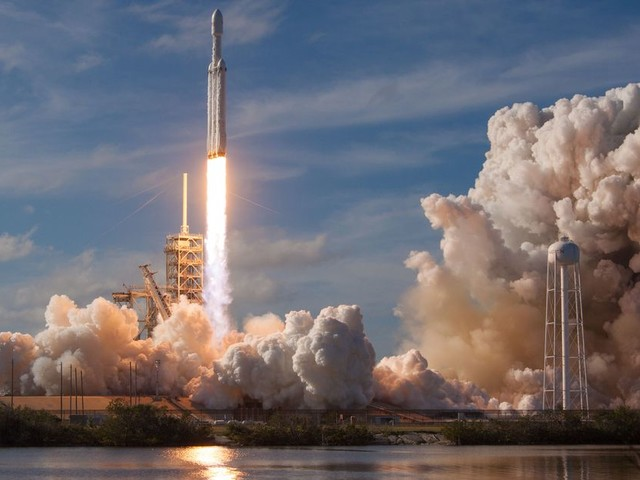 Here's what's next for SpaceX after Falcon Heavy's first flight
