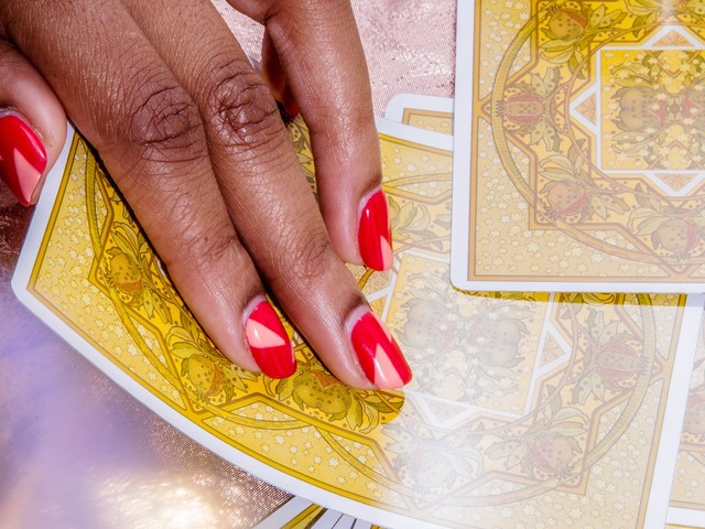 I Let Tarot Cards Guide My Life & It Changed My Entire Week