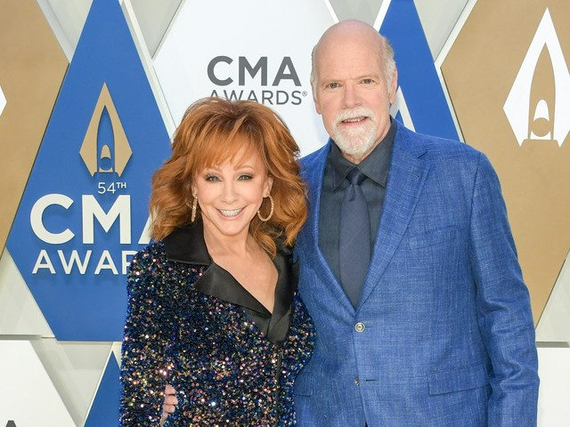 Reba McEntire Moving In With Boyfriend Rex Linn After Building Collapse Scare?