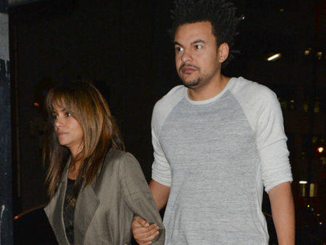 Halle Berry Posts Hilarious Photo of Herself on the Toilet--Did New Beau Alex Da Kid Take It?
