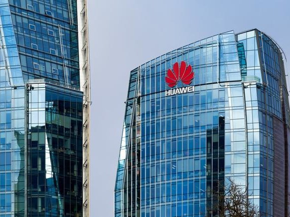 """In """"Serious Blow"""" To US, Britain Concludes Huawei Is """"Manageable Risk"""" To 5G Rollout"""
