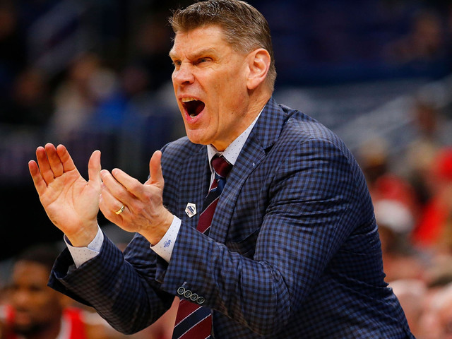 St. John's coaching search: Porter Moser lands surprise offer