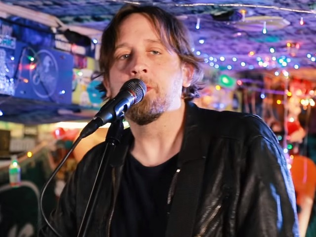 Hayes Carll Performs For 'Jam In The Van'