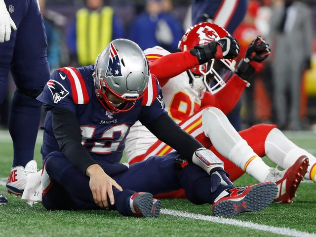 Patriots' 21-game home win streak snapped in loss to Chiefs