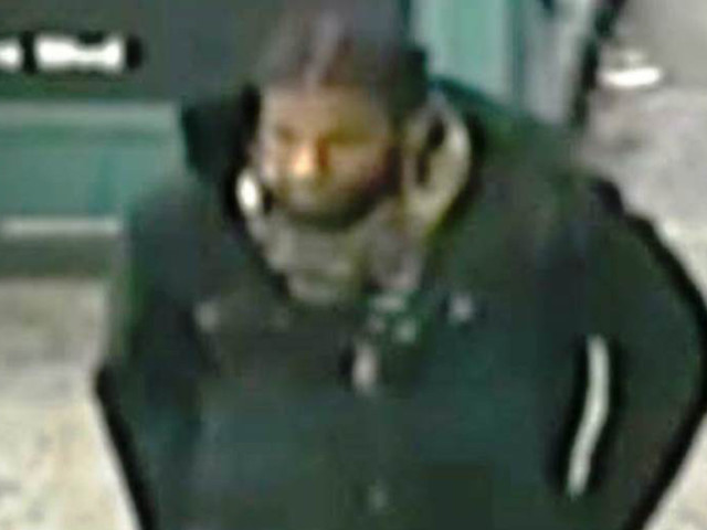 Teen slashed by man he bumped into at Queens station during rush hour
