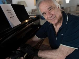 Brazilian piano legend plays again thanks to 'magic' gloves