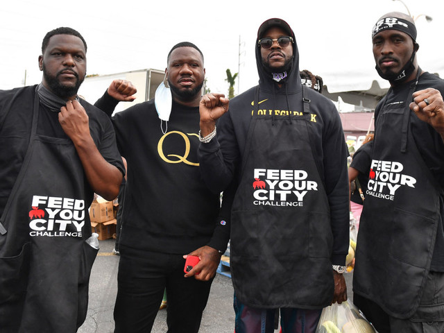 "2 Chainz Gives Out Free Groceries in Atlanta As Part of ""Feed Your City"" Challenge"