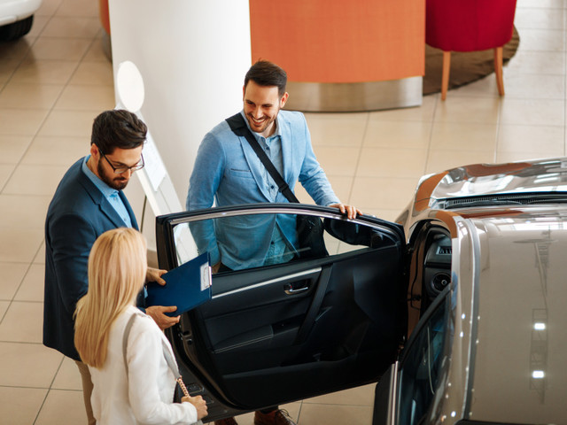 HOW DOES NEGOTIATING IN AUTO LEASING WORK?