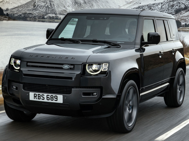 Land Rover Reportedly Working On A Hotter Defender With 600+ HP