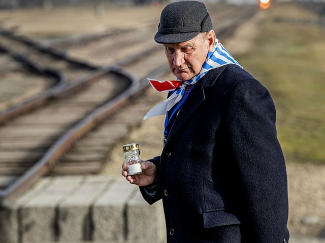 Remembering Auschwitz: 75 years since death camp's liberation